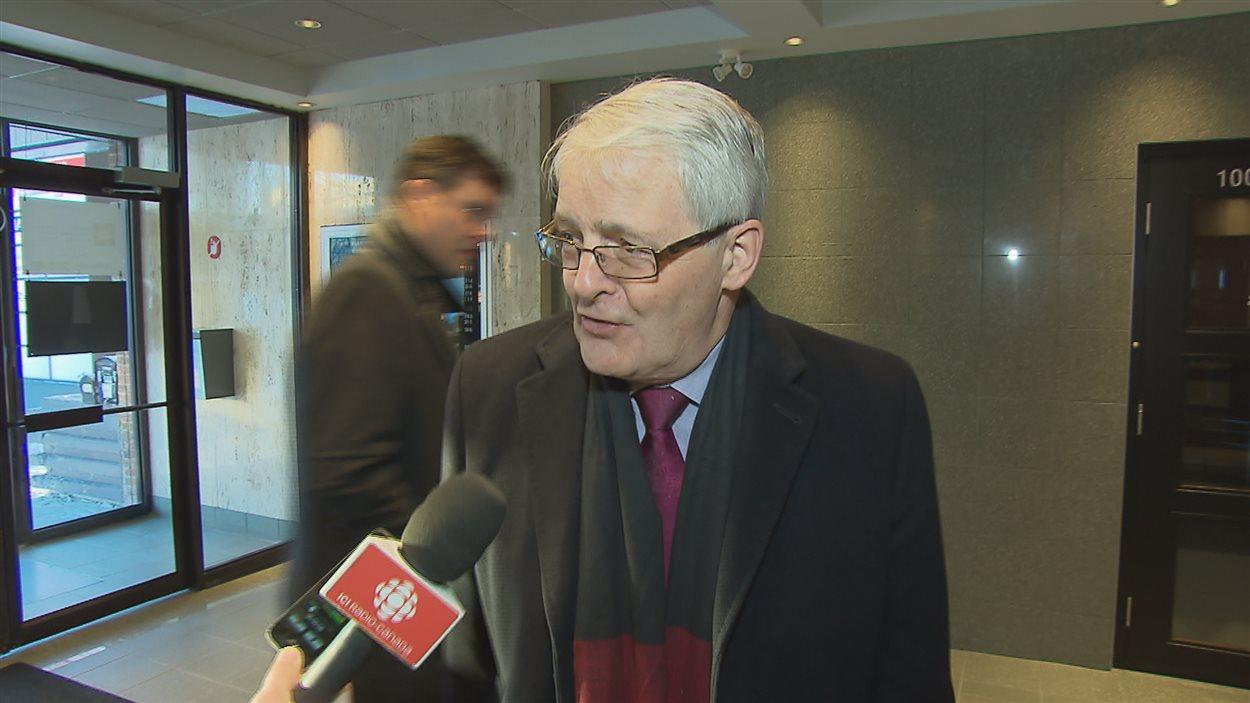 Le ministre Marc Garneau a convoqué les parties à Québec.