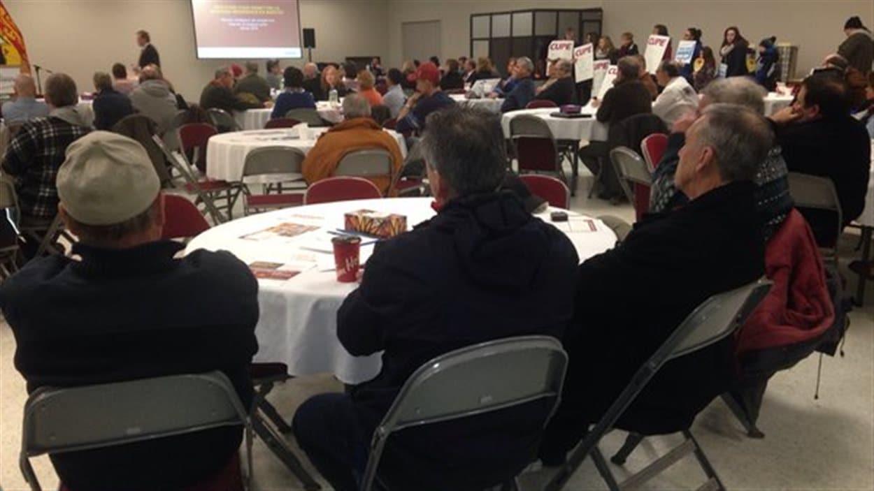 Environ 80 personnes ont participé à la dernière consultation publique, à Bathurst.