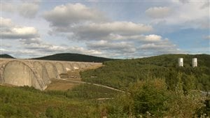 La forêt qui entoure le barrage de Manic-5 était totalement absente dans les années 70.