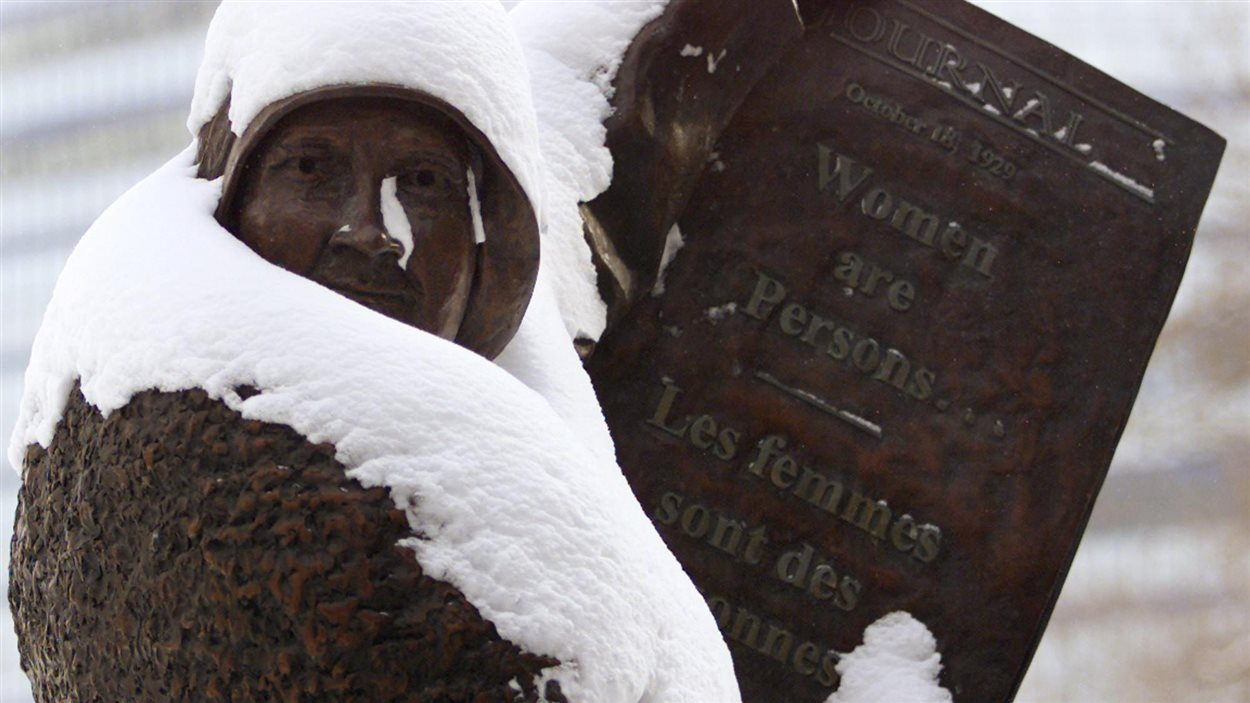 Statue de Nellie McClung, les femmes sont des personnes