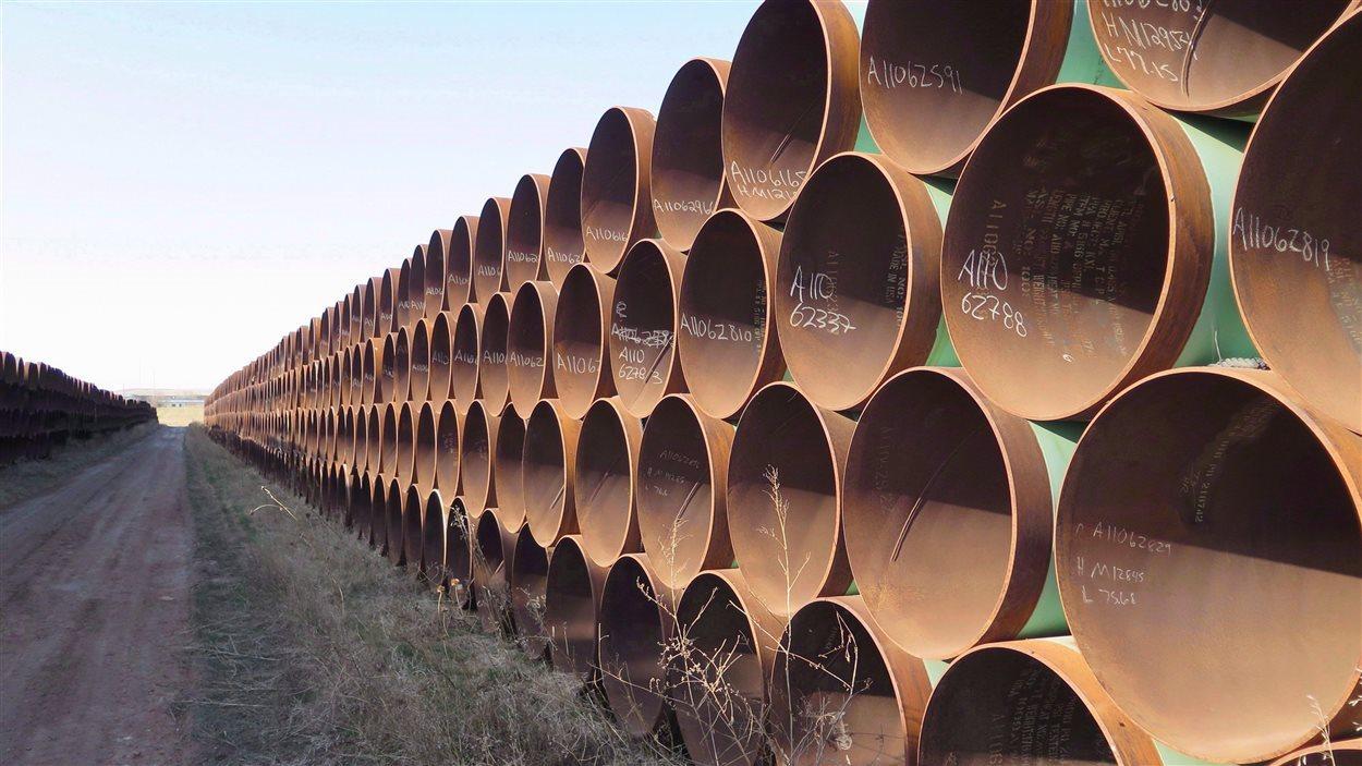 Des tuyaux d'oléoduc