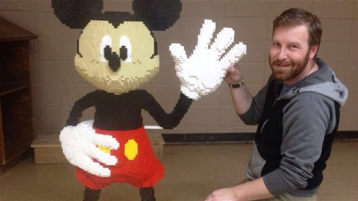 Cette sculpture de Mickey Mouse a valu à Eric MacCallum de remporter la compétition Silver Springs Lego en 2015.
