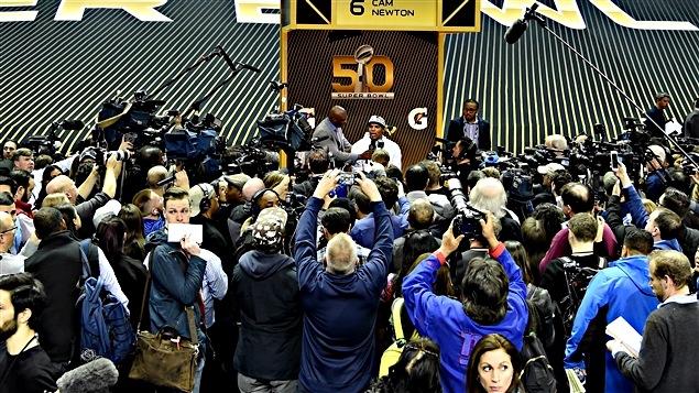 La soirée d'ouverture médiatique a lancé la semaine du Super Bowl 50