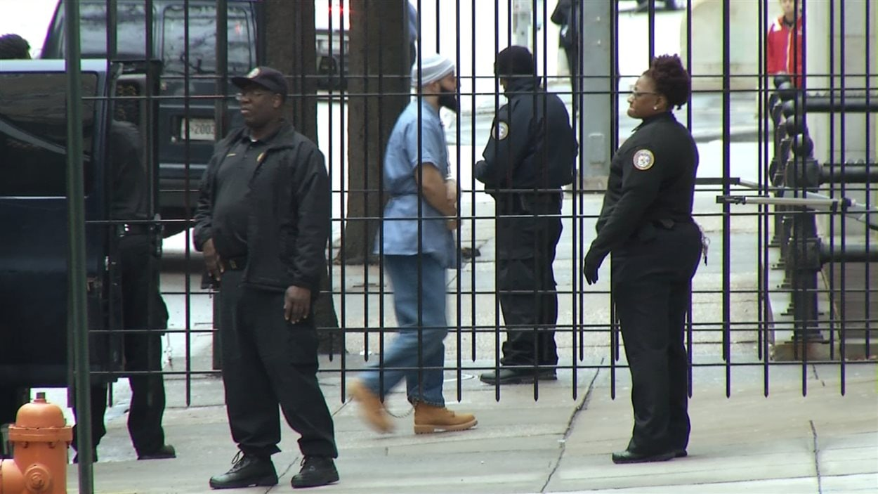Adnan Syed, condamné à la prison à vie pour le meurtre de son ex-petite amie en 1999, a comparu dans un tribunal de Baltimore, le 3 février 2016