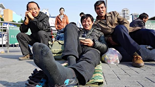 Un voyageur se rend dans la province du Henan à l'occasion du nouvel an chinois.