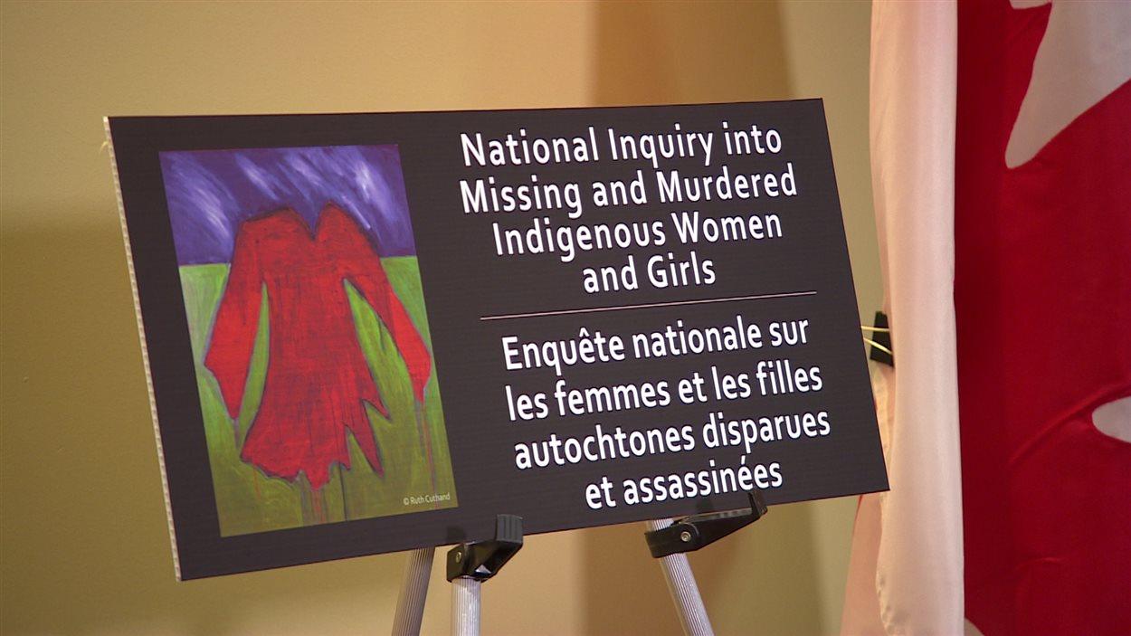 Le gouvernement fédéral mène une série de consultations avant de lancer une enquête nationale sur les femmes et les filles autochtones disparues et assassinées.