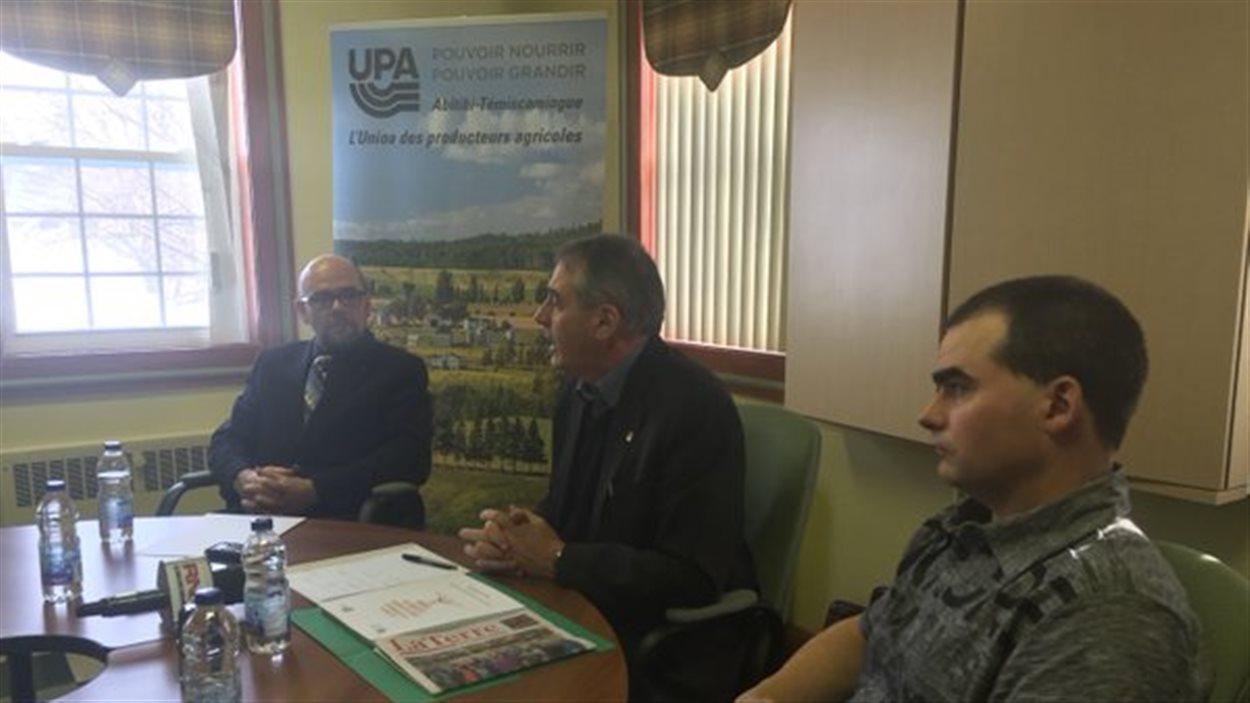 Rencontre entre Marcel Groleau, président de l'UPA, et plusieurs intervenants du milieu agricole du Témiscamingue