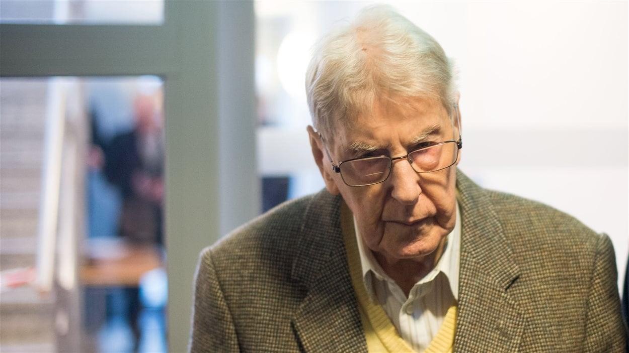 Reinhold Hanning, lors de son arrivée au tribunal.