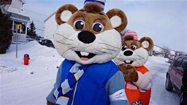 La famille gagnante a aussi eu droit à la visite de mascottes.