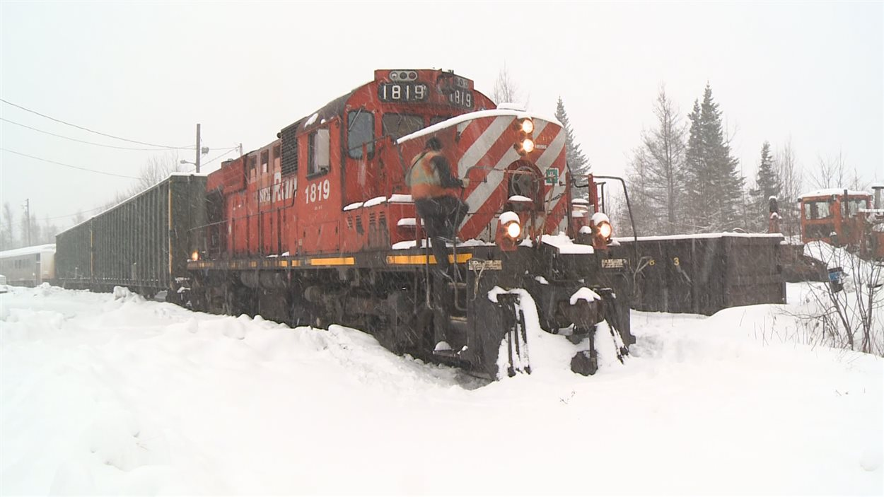 Locomotive dans la neige