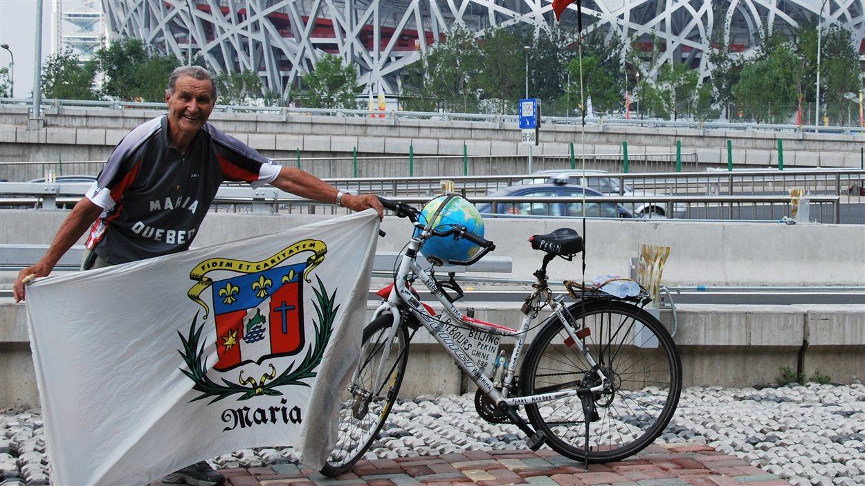 Albert Leblanc était connu pour s'être rendu en vélo à de nombreux jeux olympiques.