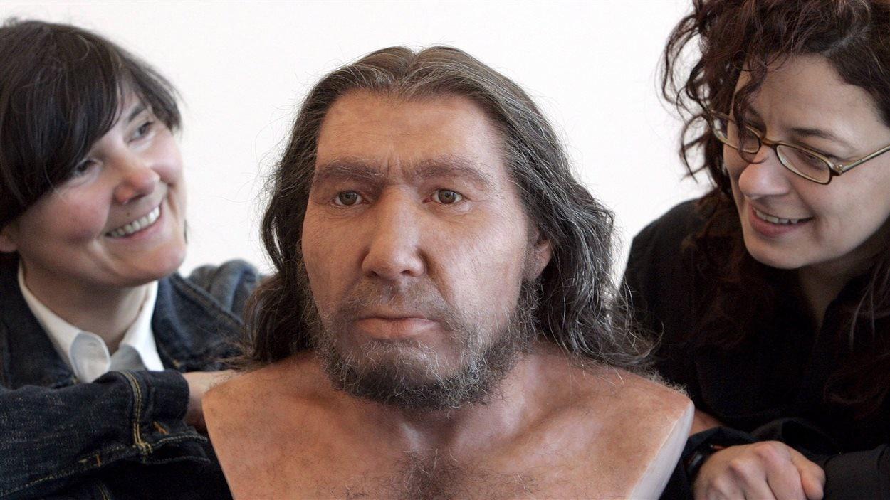 Reconstitution d'un homme de Néandertal