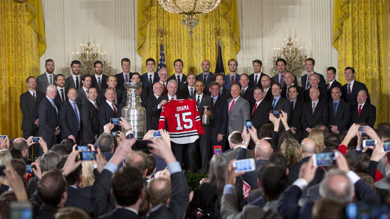 Le président Obama en présence de l'équipe des Blackhawks de Chicago à la Maison-Blanche.