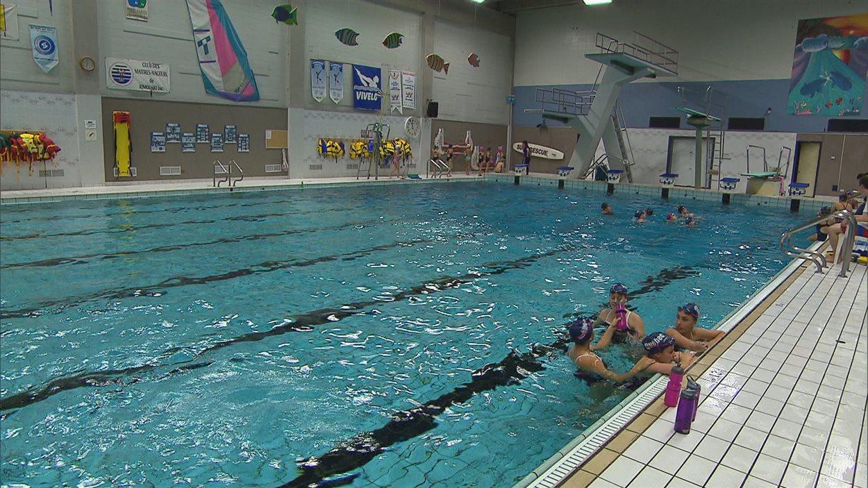 Des programmes sports tudes reconnus l 39 cole paul for Club piscine ottawa
