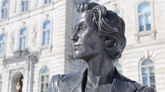Le Monument en hommage aux femmes en politique (Thérèse Casgrain) à Québec