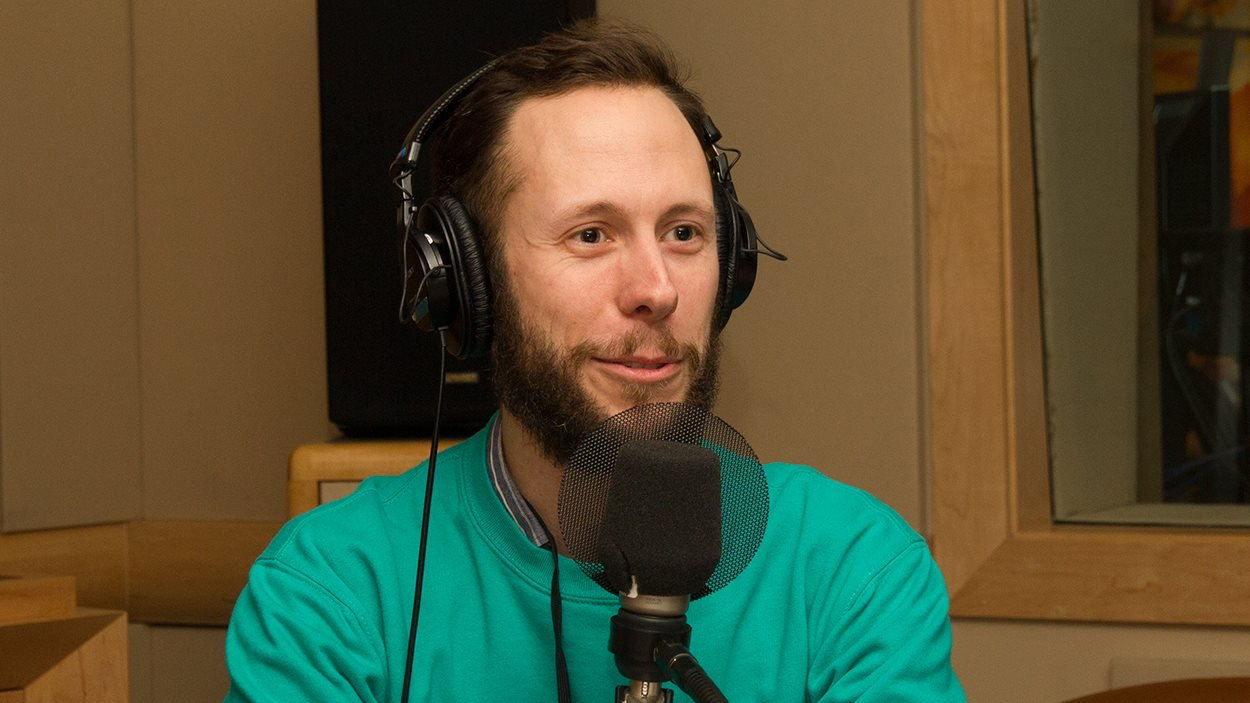 Le comédien, auteur et réalisateur Mathieu Handfield