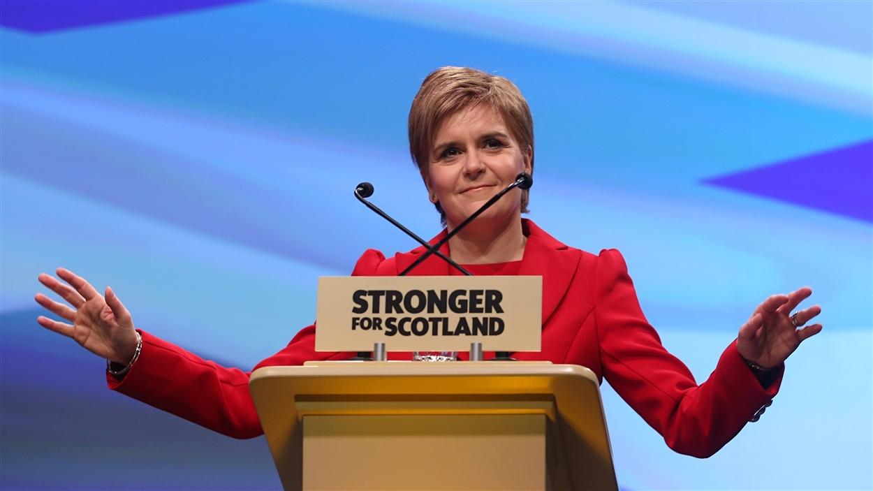 La Première ministre d'Écosse, Nicola Sturgeon, veut tenter à nouveau de convaincre les Écossais de réclamer leur indépendance, tel qu'annoncé lors du congrès du Parti national écossais.