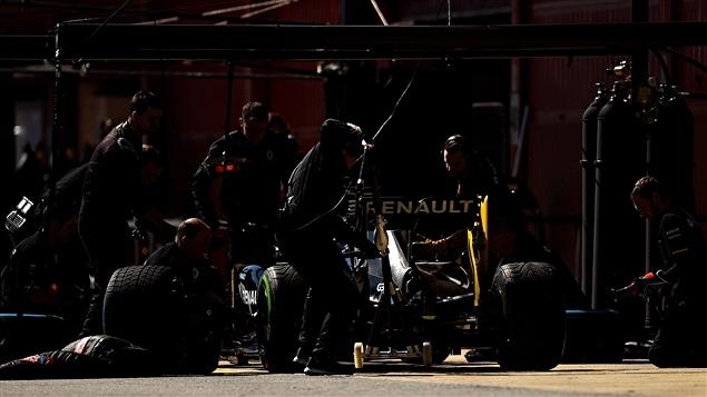 L'équipe Renault au travail