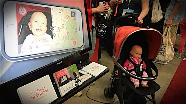 Le Smile Explorer capte automatiquement les sourires des bébés.
