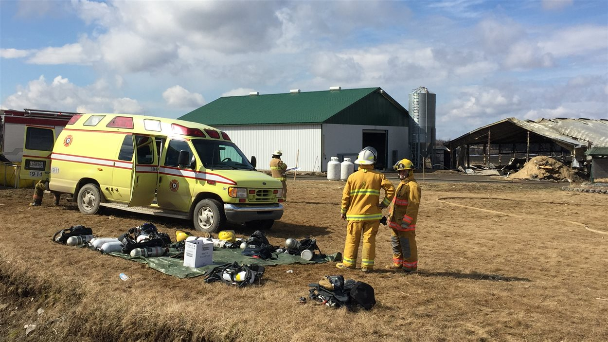 Incendie dans un bâtiment de ferme à Saint-Camille