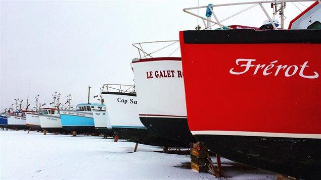 Les bateaux des pêcheurs en cale sèche sur l'Île de Cap aux Meules
