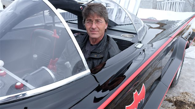Rod Warkentin a transformé une Lincoln Town Car en Batmobile