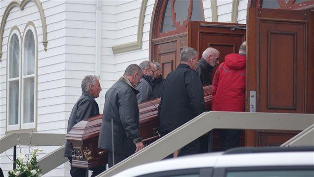 Funérailles de la famille Lapierre aux Iles-de-la-Madeleine