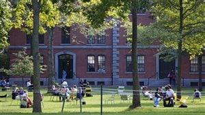 Est-il vrai ou faux que les locataires de résidences étudiantes peuvent aussi recourir à la Régie du logement?
