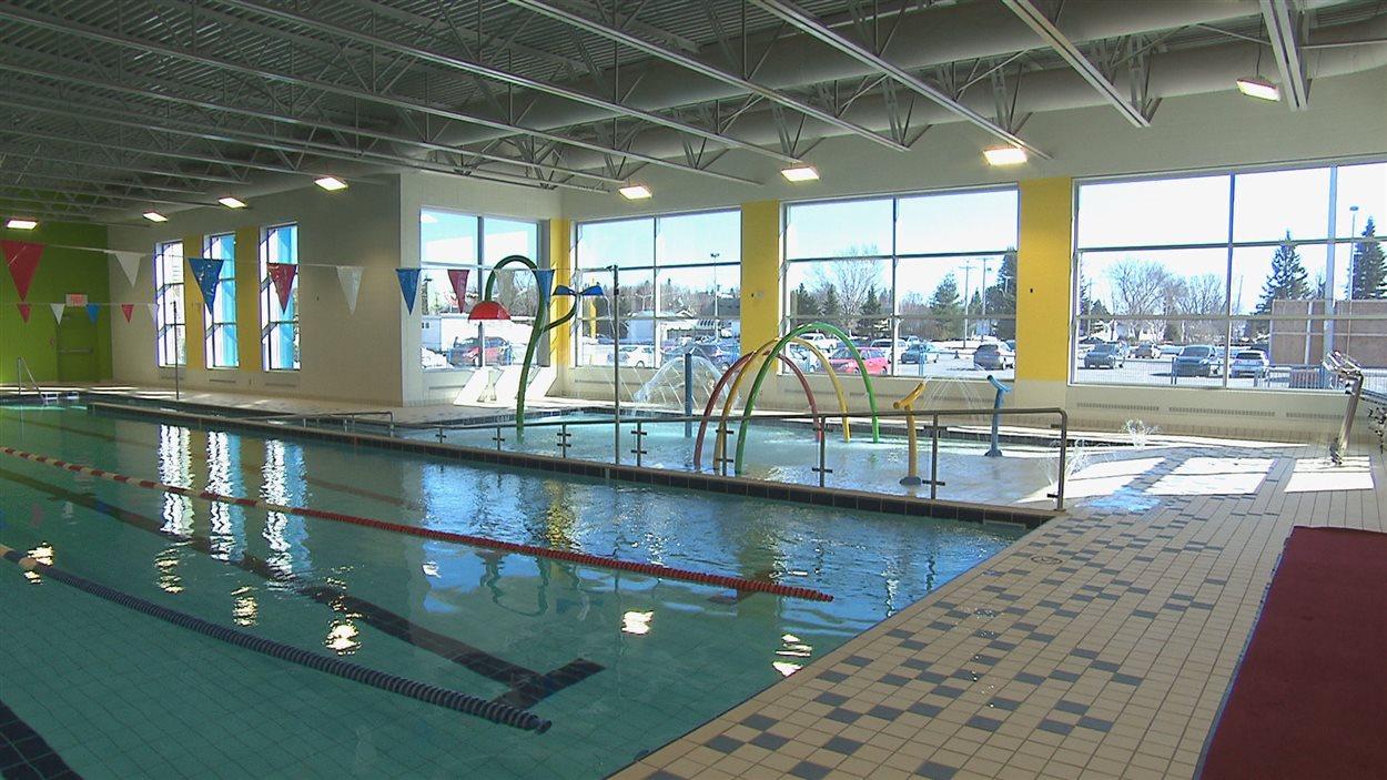 La nouvelle piscine du centre mario tremblay inaugur e for Piscine madeleine