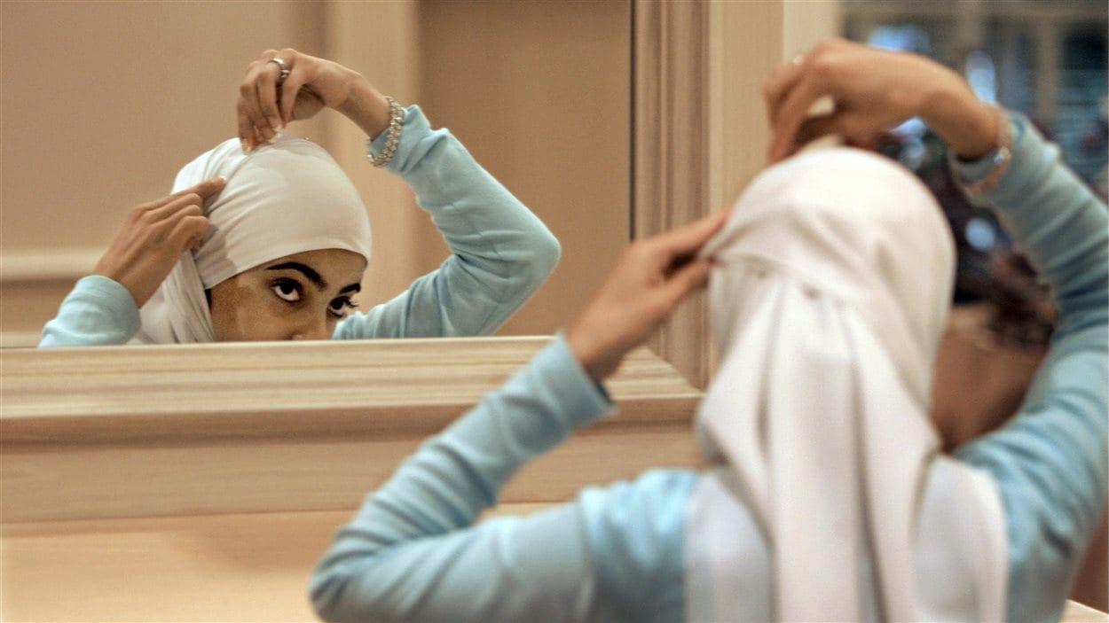 Une femme porte le voile islamique (archives).