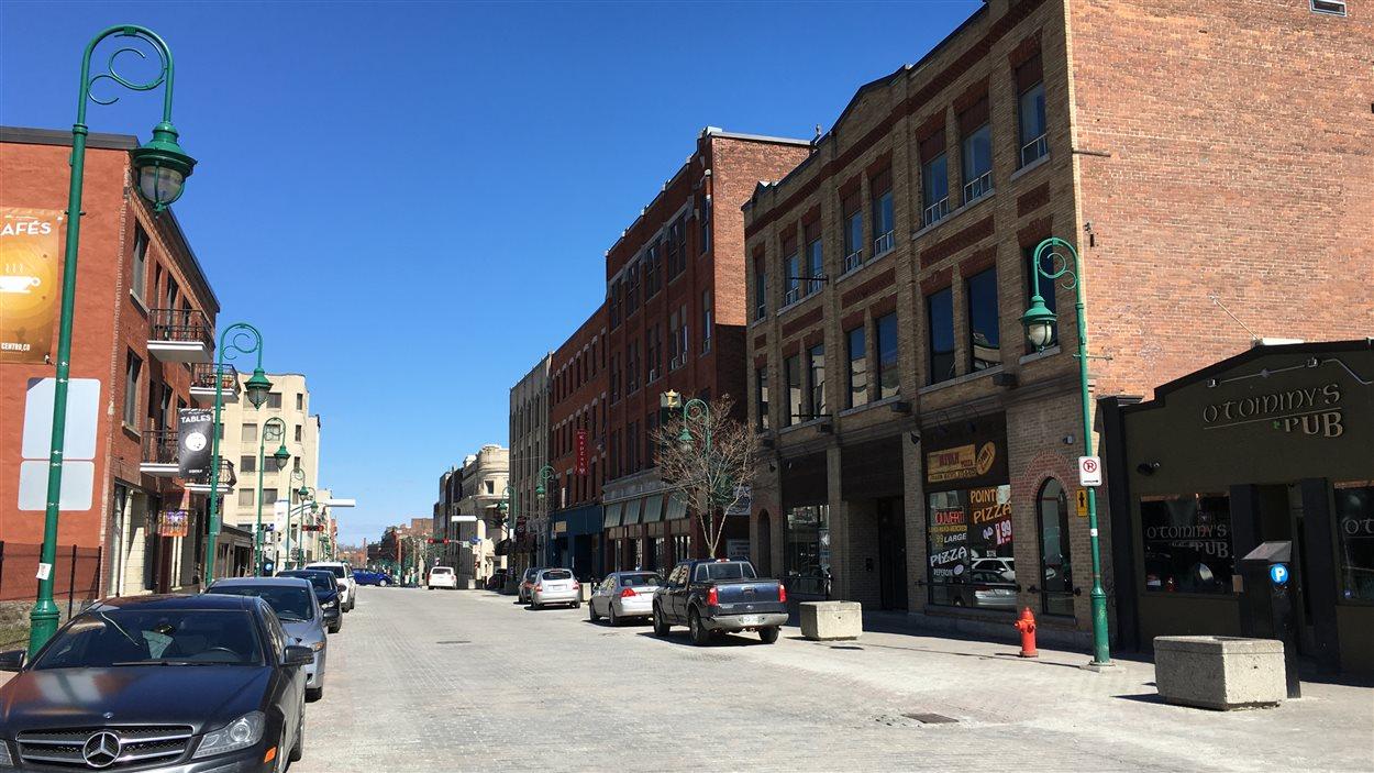 La rue Wellington Sud à Sherbrooke (printemps 2016)