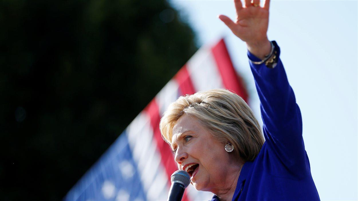 Hillary Clinton prononce un discours en Californie