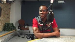 Henry Onwuchekwa, étudiant nigérian, découvre Winnipeg par la musique