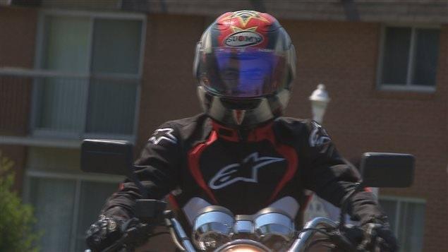 les motocyclistes apprentis de plus en plus nombreux enfreindre la loi ici radio. Black Bedroom Furniture Sets. Home Design Ideas