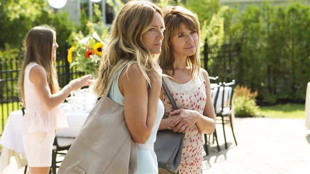 Sophie Prégent et Isabel Richer dans une scène du film  Les 3 p'tits cochons