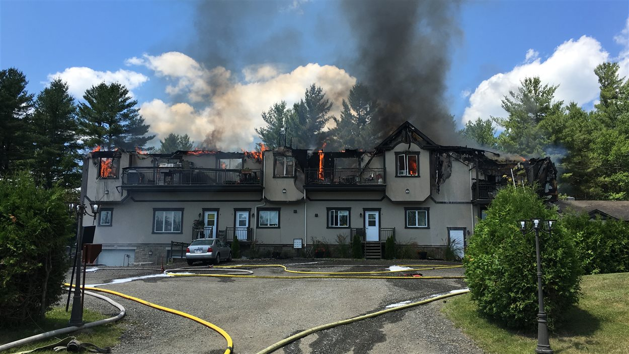 Incendie dans une résidence de Magog | ICI.Radio-Canada.ca