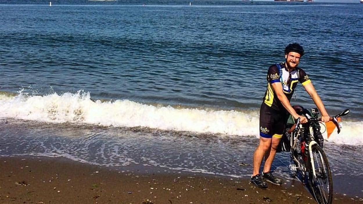 Martin Bauman a quitté Vancouver à bord de son vélo pour entamer une traversée du Canada.