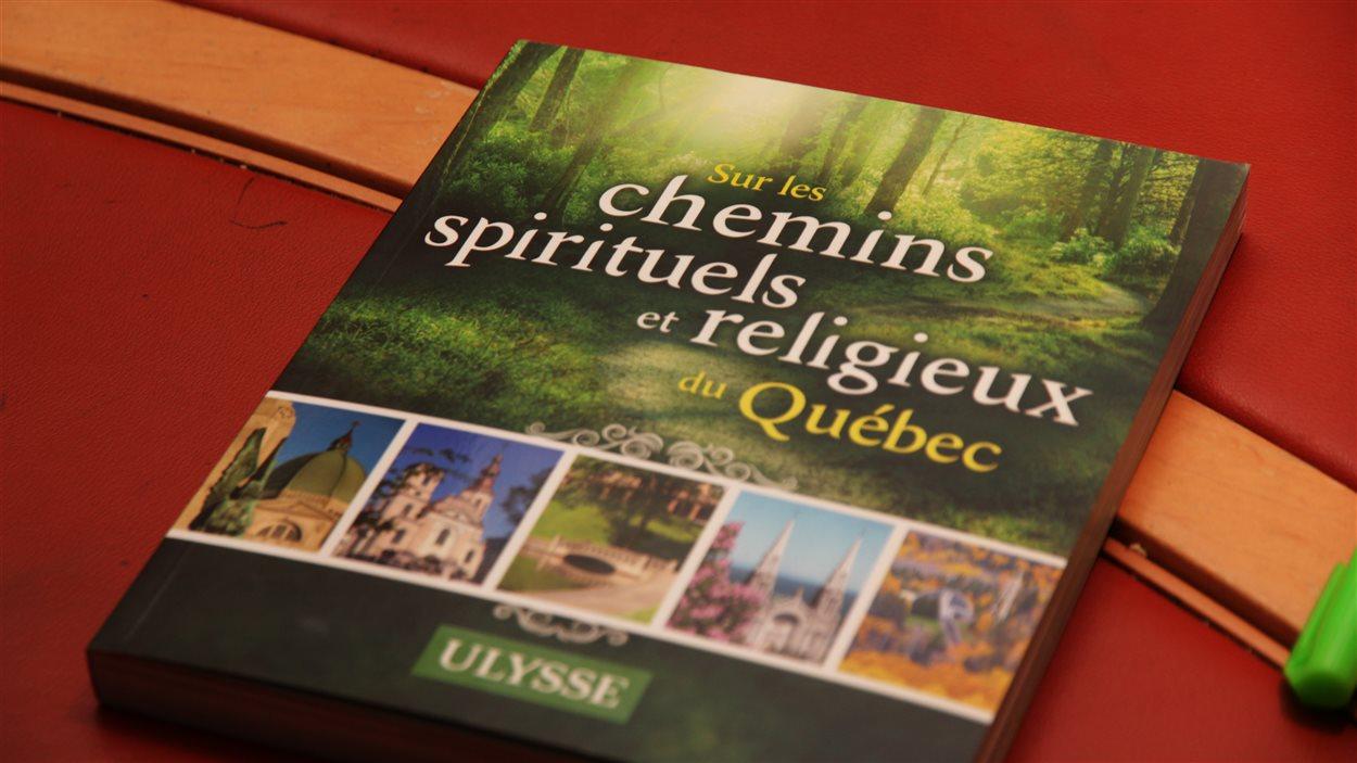La couverture du livre <em>Sur les chemins spirituels du Québec</em>, paru aux éditions Ulysse