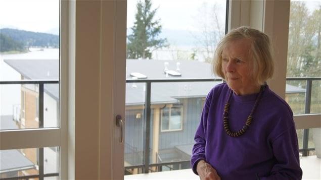 Alice Maclean dans son appartement encore vide.