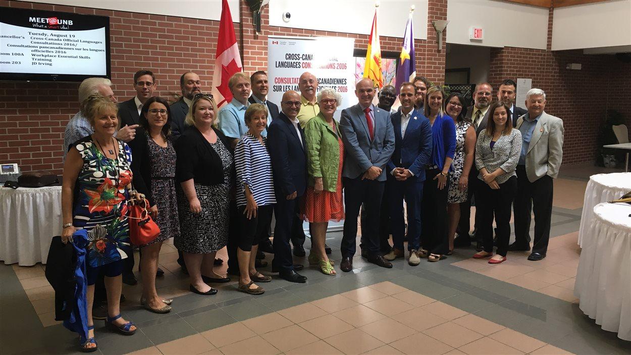 La majorité des représentants présents lors de la table ronde sur les la langues officielles étaient divers groupes acadiens et francophones du Nouveau-Brunswick.