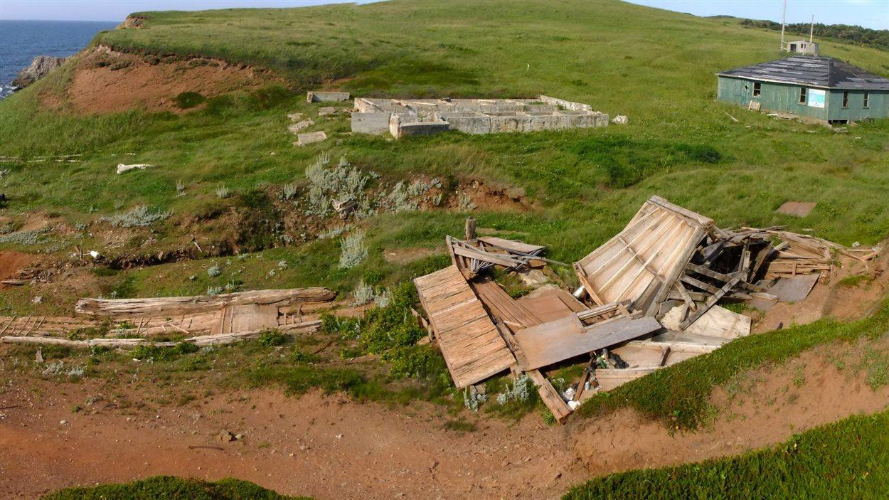 Installations à l'abandon de l'île Brion