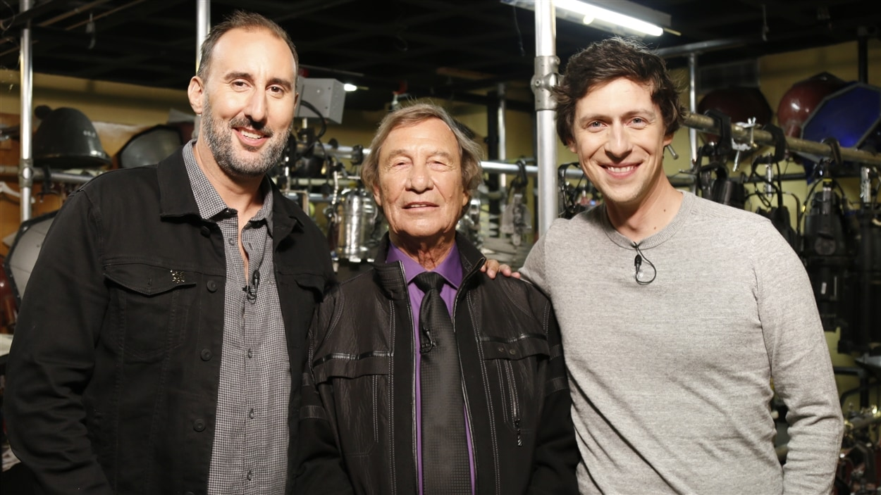 Martin Petit, Jean-Pierre Ferland et Patrice Michaud posent dans les coulisses