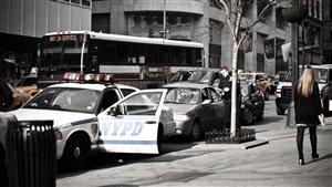 Est-il vrai ou faux que pour un constat d'infraction dans l'État de New York, des points d'inaptitudes seront inscrits à votre dossier de conduite?