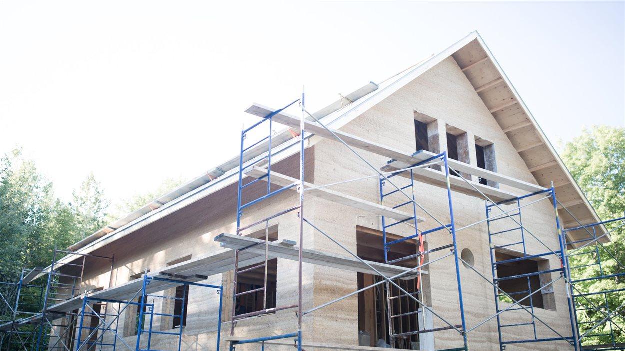 sherbrooke future capitale de la construction en chanvre ici radio. Black Bedroom Furniture Sets. Home Design Ideas