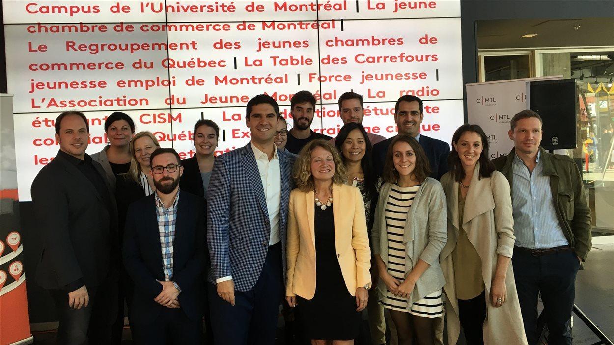 Le conseiller Harout Chitilian et des partenaires d'organismes jeunesse veulent recruter des ambassadeurs jeunesse à Montréal.