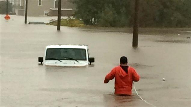 Des pluies torrentielles ont causé des inondations importantes à Sydney, au Cap-Breton. Cette photo a été prise sur la rue Cabot.