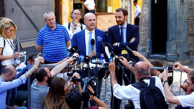 Les journalistes italiens Gianluigi Nuzzi et Emiliano Fittipaldi