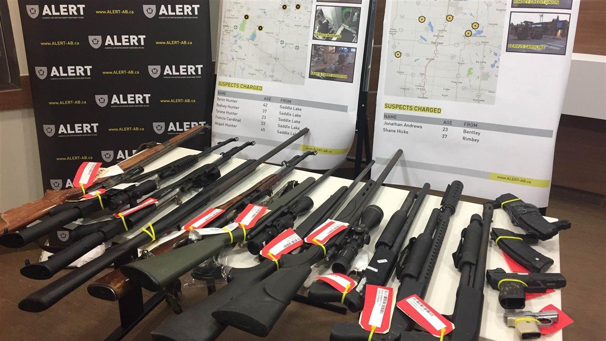 Saisie d'armes en Alberta.