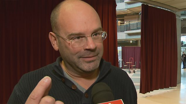Le responsable du syndicat des employés de soutien, Éric-Jan Zubrzycki.