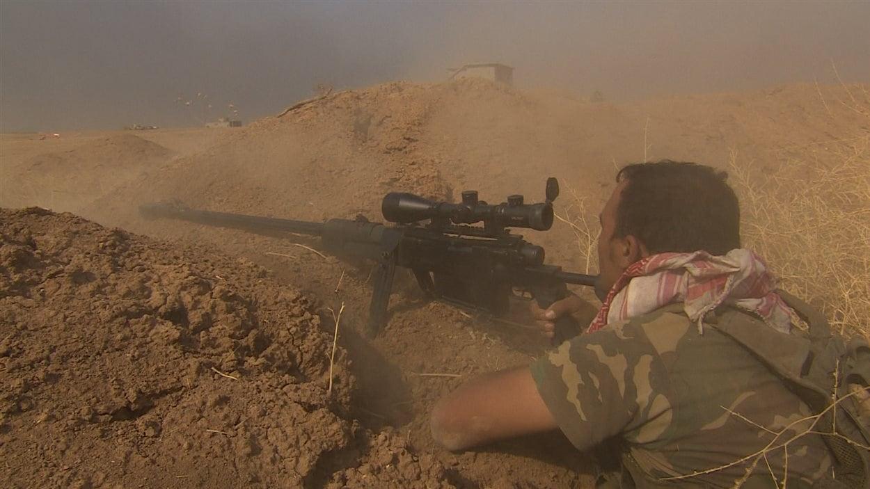 Un combattant kurde